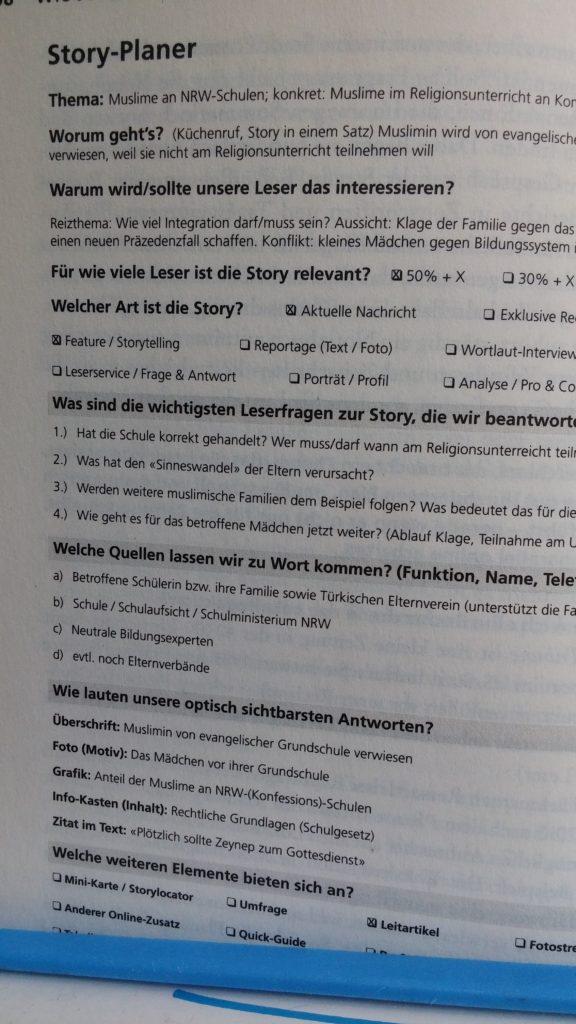 """Im """"Handbuch des Journalismus"""": Der RP-Storyplaner als Recherche-Helfer"""