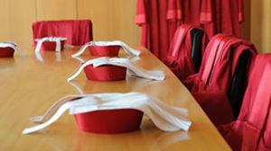 Bundesverfassungsgericht: Die Richter kleiden sich rot. Foto: Gericht