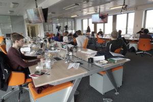 Der Newsroom der Axel-Springer-Akademie, eine der vorbildlichen Journalistenschulen in Deutschland. Foto: Springer-Akademie