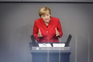 Bundeskanzlerin Angela Merkel während einer Bundestags-Debatte. Foto: Bundesregierung/Steins