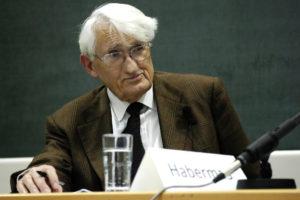Jürgen Habermas bei einer Diskussion in der Hochschule für Philosophie München, 2008 (Foto: Wolfram Huke / Wikipedia)