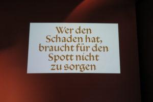 """Luthers Beitrag zur Neid-Debatte: Eine Tafel aus der Ausstellung """"Luther und die Sprache"""" auf der Wartburg 2016"""